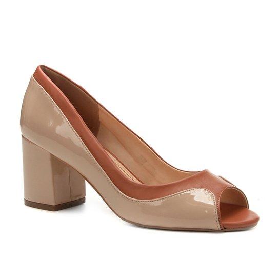 8153092a2b Peep Toe Couro Shoestock Salto Grosso Ondas - Marrom e Bege - Compre ...