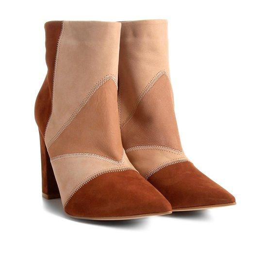 89ff6471e Bota Couro Cano Curto Shoestock Patchwork Feminina - Nude - Compre ...