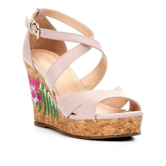 26b9e8a0f Sandália Plataforma Couro Shoestock Bordado Floral Feminina - Nude ...