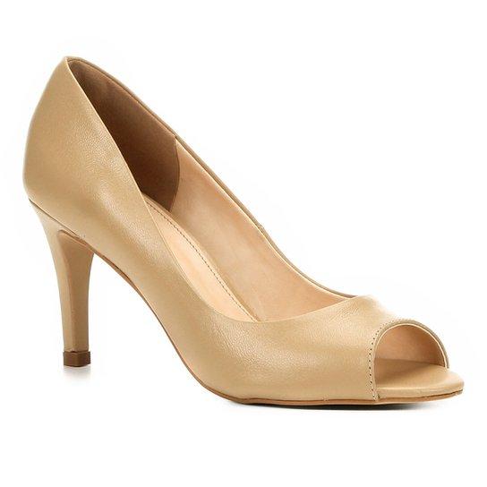 960cd0d1c8 Peep Toe Couro Shoestock Salto Fino - Bege