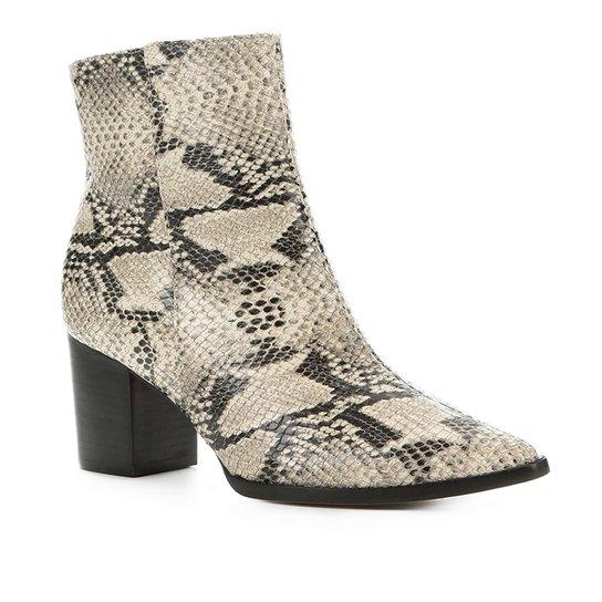 8d88839fd9 Bota Cano Curto Shoestock Salto Bloco Snake Feminina - Bege | Shoestock
