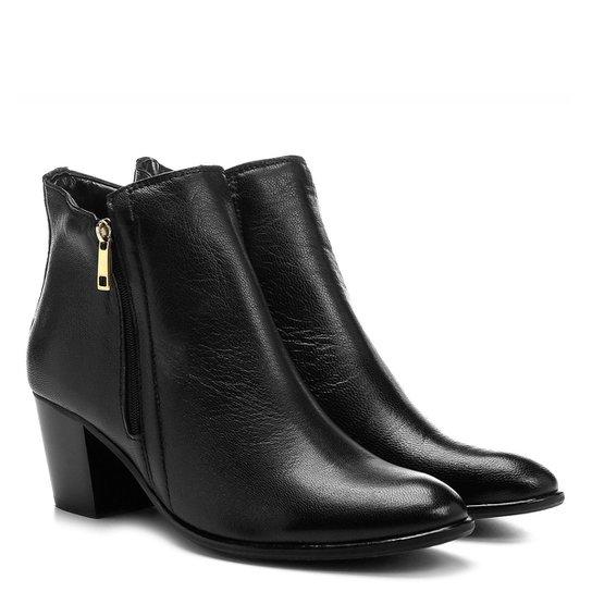 04b9b564ac Bota Couro Cano Curto Shoestock Zíper Feminina - Preto | Shoestock