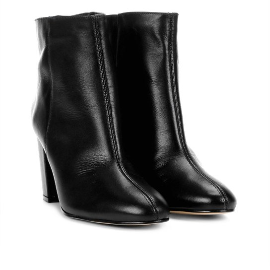 b57e3a1bdf Bota Couro Cano Curto Shoestock Básica Salto Grosso Feminina - Preto