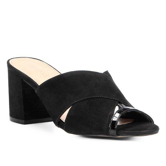 d479fa59e2 Mule Couro Shoestock Detalhe Verniz Feminina - Compre Agora