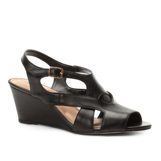 683f6eeef Sandália Anabela Shoestock Tiras Vazadas Feminina - Preto | Shoestock