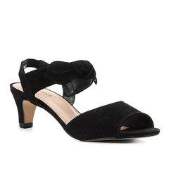 2d8104ed8d Sandália Couro Shoestock Nobuck Salto Baixo Laço Feminina