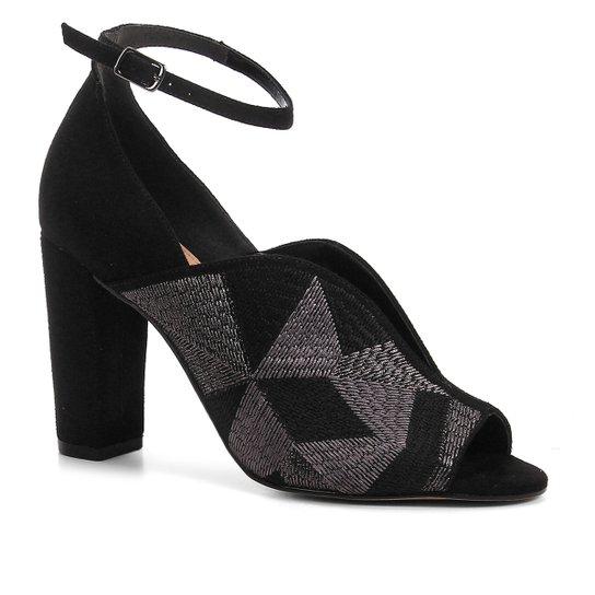 d181383bff Sandália Shoestock Salto Bloco Bordado Feminina - Preto