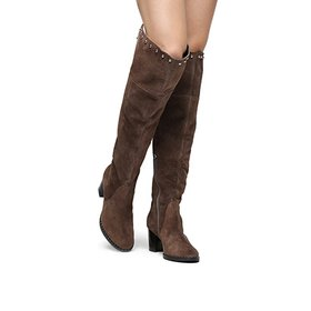 718fd888d1 Bota Couro Shoestock Over the Knee Vira Cravos Feminina - Caramelo ...