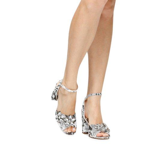 6f76915b6 Sandália Couro Shoestock Salto Grosso Cobra Pedrarias Flor Feminina -  Cobra. R$ 137 ...