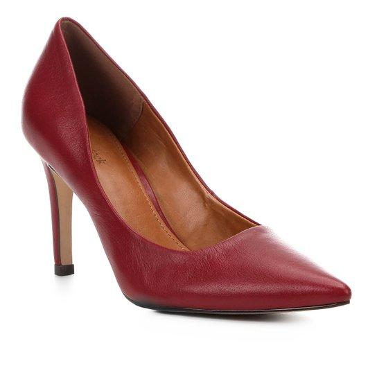 5c609c5508 Scarpin Couro Shoestock Salto Alto Bico Fino - Vermelho Escuro ...