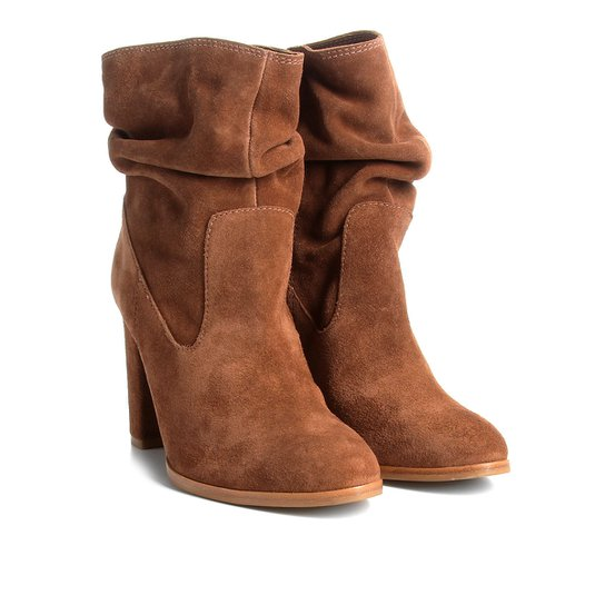 6fb138f5a7 Bota Couro Cano Curto Shoestock Slouch Feminina - Caramelo - Compre ...