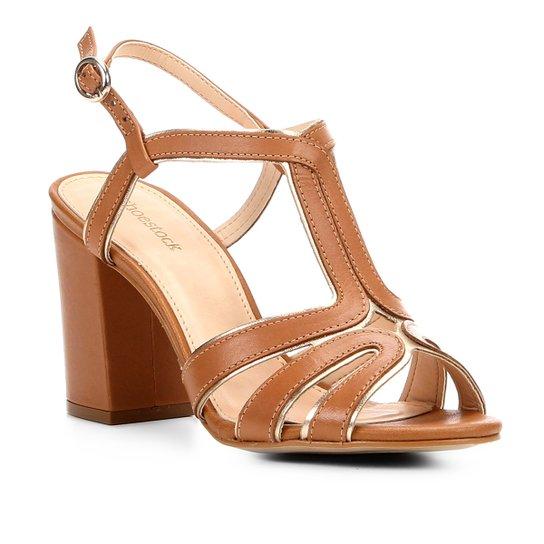 1c2cab3151 Sandália Couro Shoestock Salto Grosso Tiras Feminina - Caramelo+Dourado