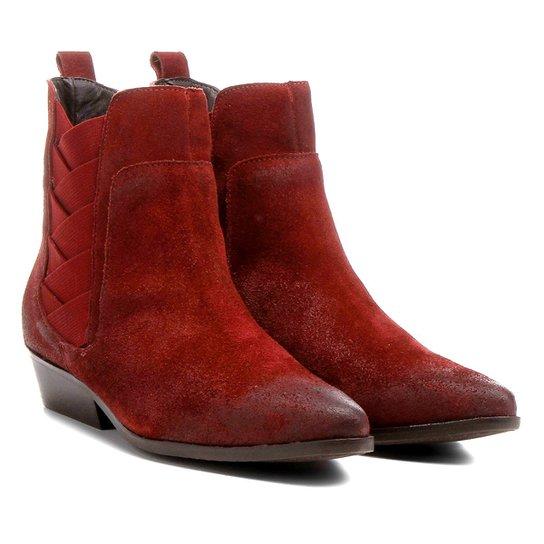 03342a5c8 Bota Couro Chelsea Shoestock Bico Fino Elásticos Transpassados Feminina -  Vinho