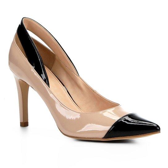 c25cb4a9c8 Scarpin Shoestock Salto Alto Detalhes Verniz - Nude e Preto