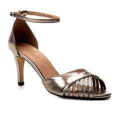 6368e88e3 Sandália Shoestock Metalizada Salto Fino Feminina