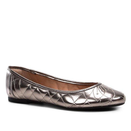 02e2d32ee Sapatilha Shoestock Matelassê Feminina - Prata | Shoestock