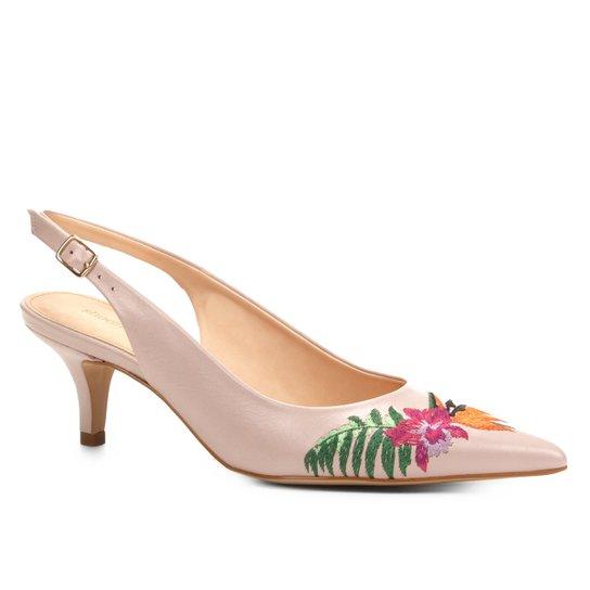 e45daef133 Scarpin Shoestock Salto Baixo Bordado Floral - Rosa Claro