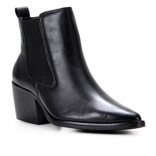 Bota Chelsea Shoestock Couro Cano Curto Feminina - Preto