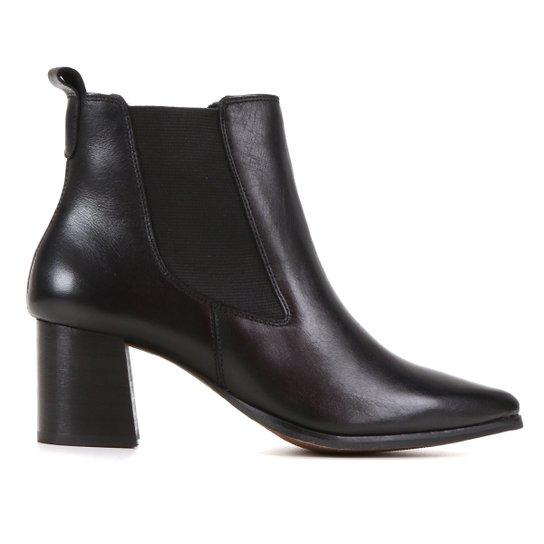 Bota Chelsea Shoestock Couro Salto Médio Feminina - Preto
