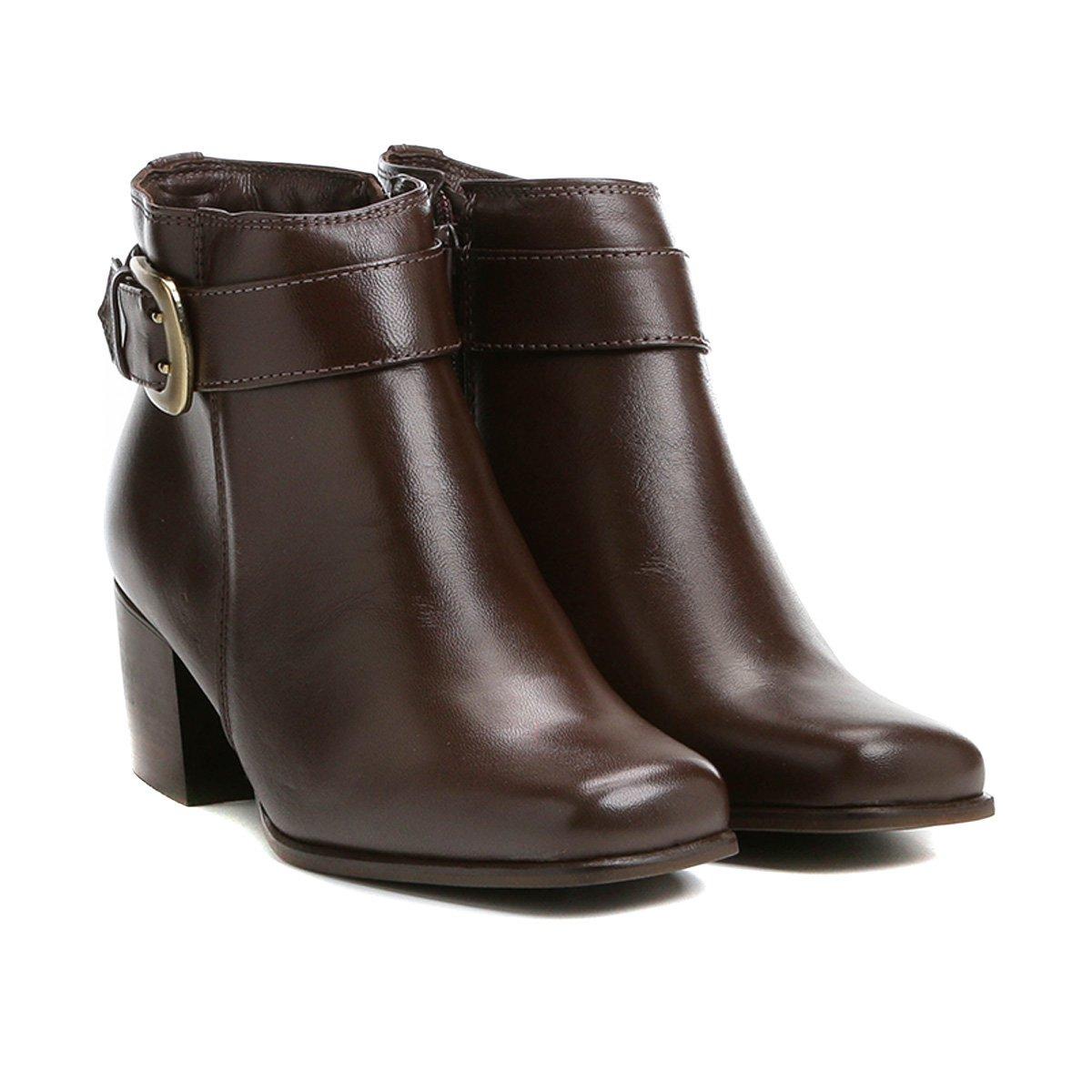 ae29b384ad Bota Couro Cano Curto Shoestock Bico Quadrado Fivela Feminina - Compre  Agora