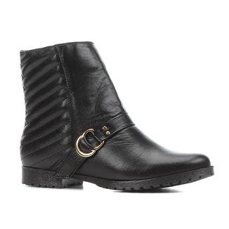 Bota Couro Cano Curto Shoestock Bico Redondo Matelassê Feminina