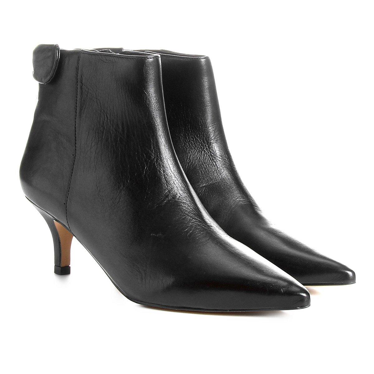 10ec496a6 Bota Couro Cano Curto Shoestock Nó Salto Curto Feminina - Compre Agora