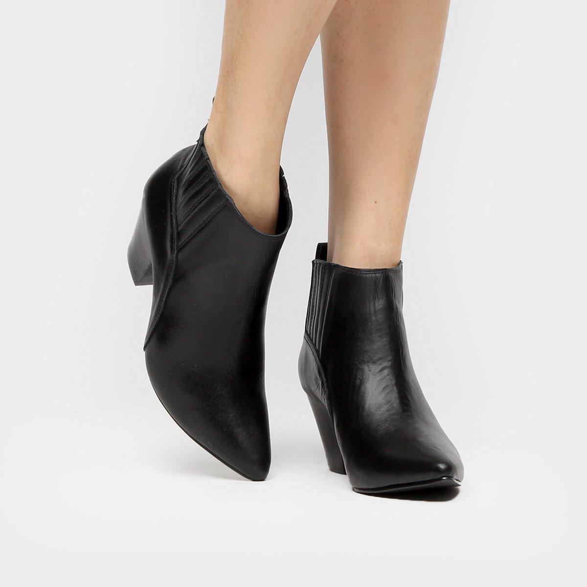 b7ebf6baf4 Bota Couro Chelsea Shoestock Salto Grosso Feminina | Shoestock