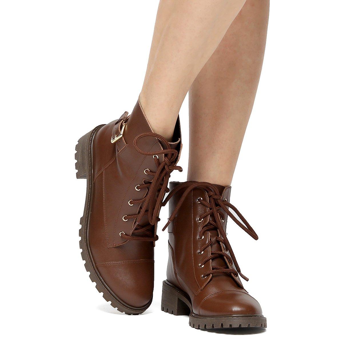 ad652ac36d Bota Couro Coturno Shoestock Fivela Feminina - Marrom - Compre Agora ...