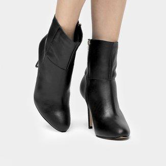 Bota Couro Shoestock Cano Curto Amendoada Feminina