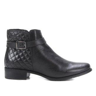 Bota Couro Shoestock Cano Curto Matelassê Feminina