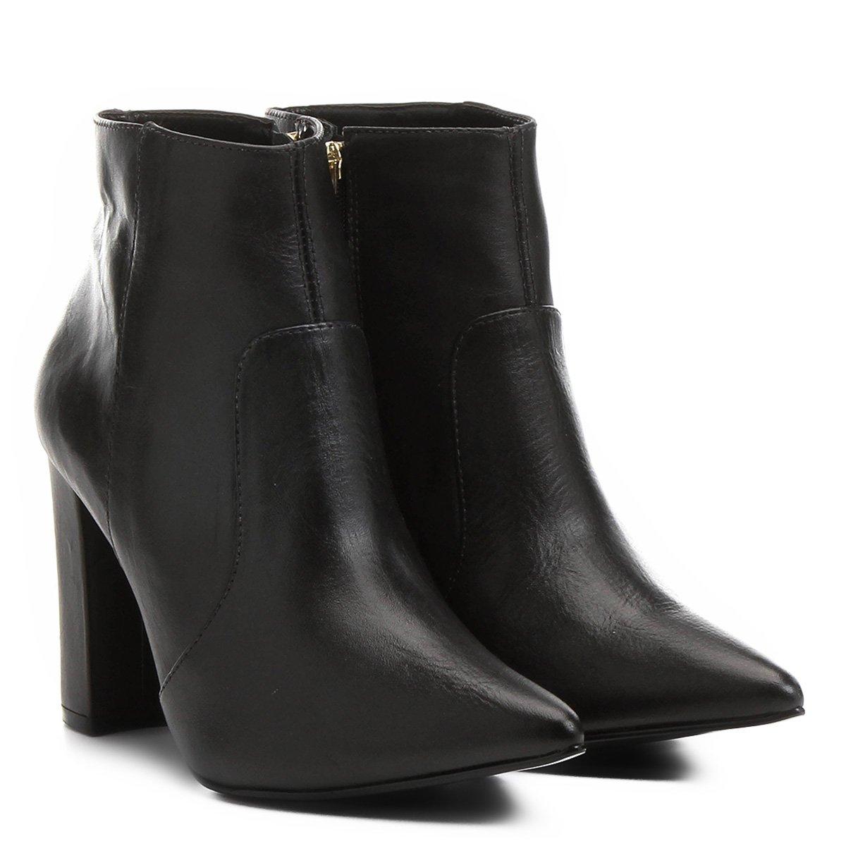 Bota Couro Shoestock Curta Bico Fino Salto Grosso Feminina - Compre Agora  192f9340a9e