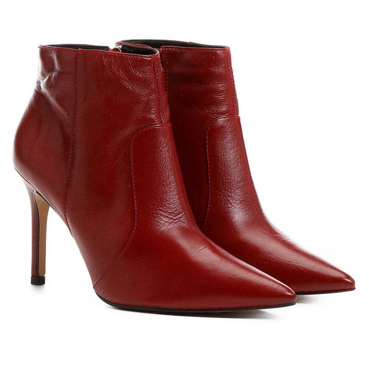 5b86a5133c Bota Couro Shoestock Curta Salto Fino Feminina - Compre Agora ...