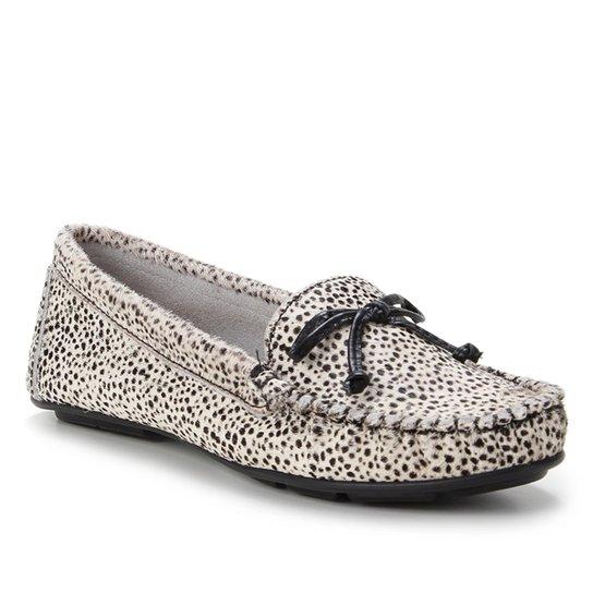 Mocassim Couro Shoestock Pelo Cheetah Feminino - Preto+Branco