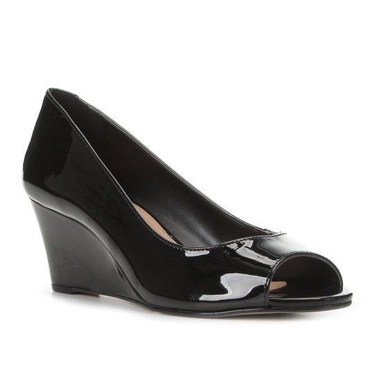 Peep Toe Shoestock Anabela Verniz Salto Médio - Preto