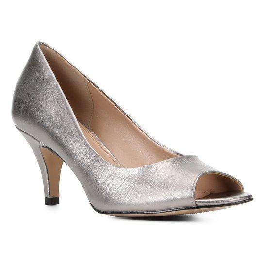 Peep Toe Shoestock Metalizado Salto Médio - Prata