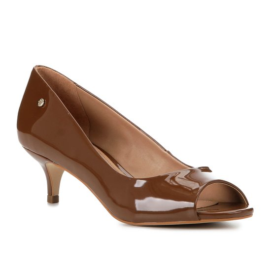 Peep Toe Shoestock Salto Baixo Verniz Naked - Avelã