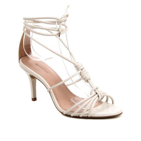 Sandália Couro Shoestock Charm Salto Fino Feminina - Off White