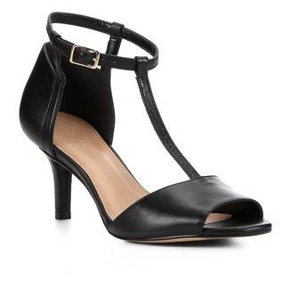 Sandália Couro Shoestock Salto Fino Médio Tira Feminina