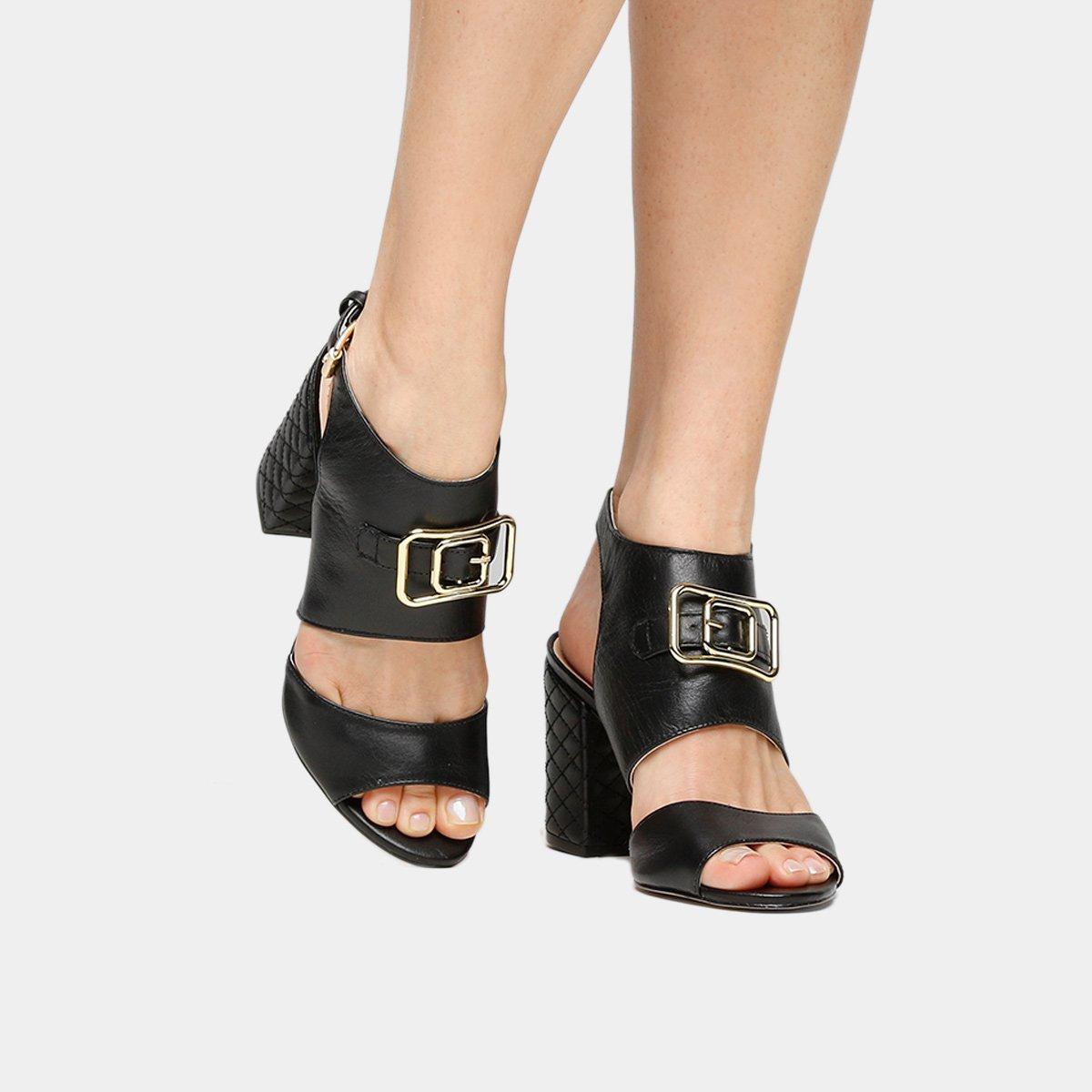 29062cf895 Sandália Couro Shoestock Salto Grosso Fivela Feminina
