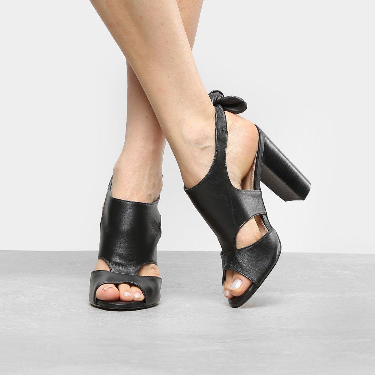 468649fafd Sandália Couro Shoestock Salto Grosso Nó Feminina