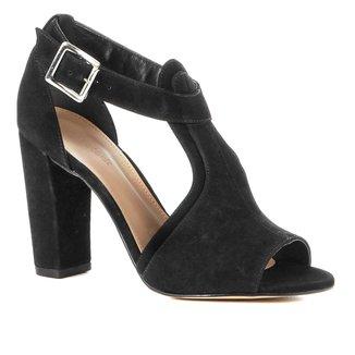 Sandália Couro Shoestock Salto Grosso Recortes Feminina