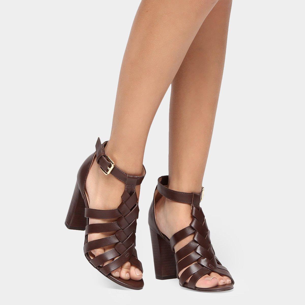 a9af380a1d Sandália Couro Shoestock Salto Grosso Trança Feminina - Compre Agora ...