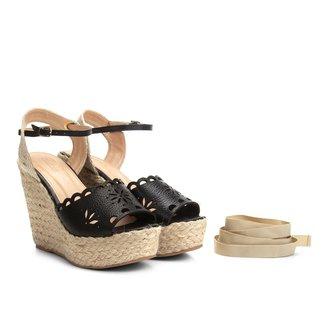 Sandália Plataforma Couro Shoestock Flor Tiras Feminina
