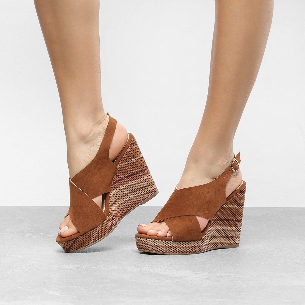 Me exibindo de sandalia anabela e jeans justo - 3 part 5