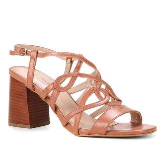 Sandália Shoestock CouroTiras Entrelaçadas Salto Bloco Alto