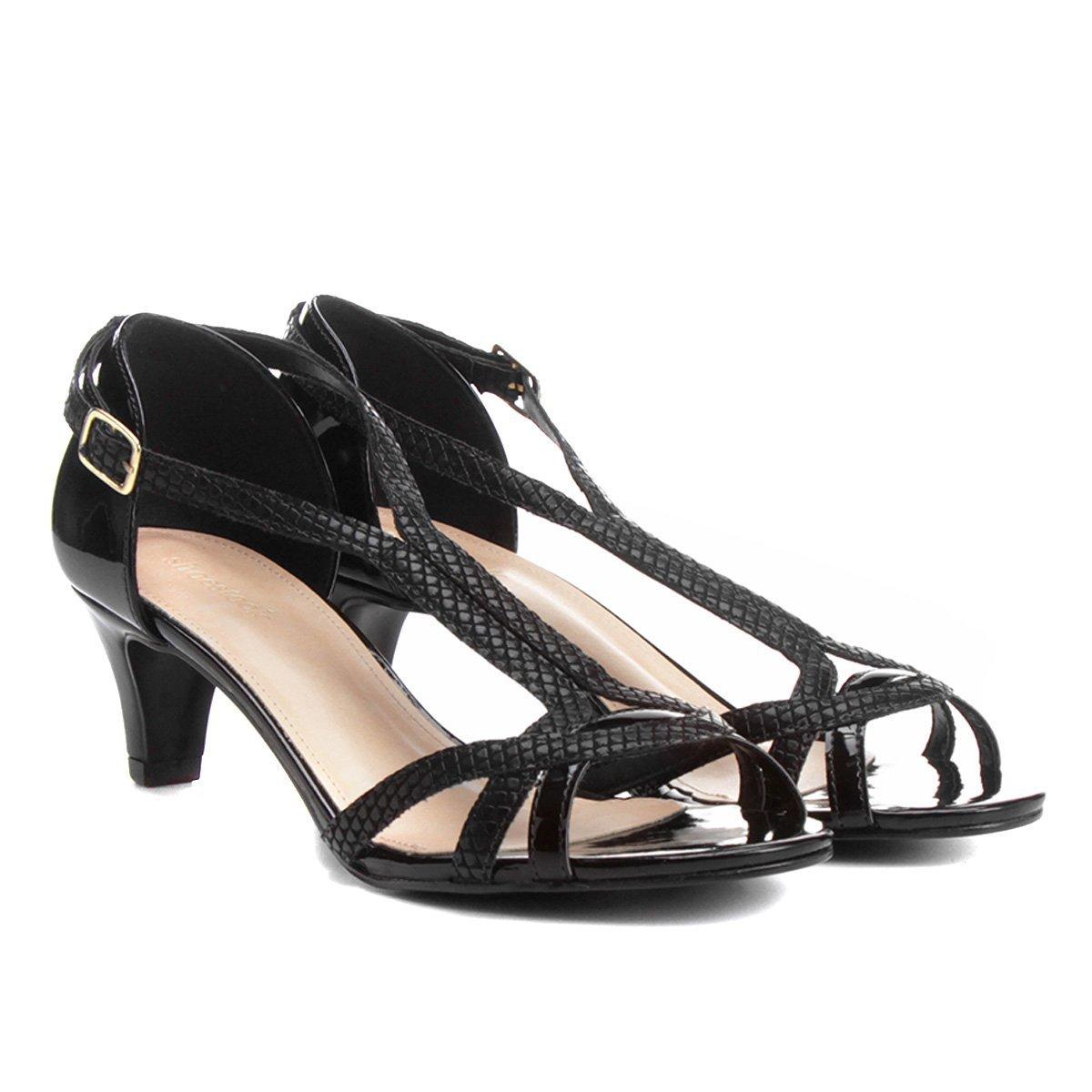 0a591a1c36 Sandália Shoestock Curvas Verniz - Compre Agora