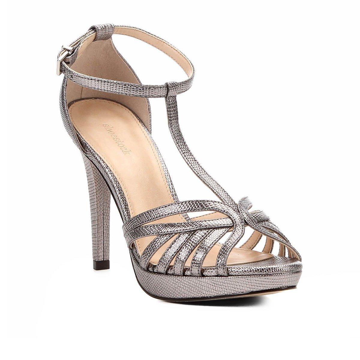 ca39ac1d9 Sandália Shoestock Metalizada Meia Pata Tirinhas Feminina - Chumbo |  Shoestock