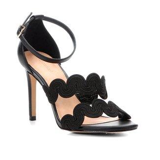 Sandália Shoestock Salto Fino Tiras Naturais Feminina