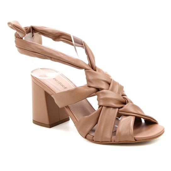 Sandália Shoestock Tiras Trançadas Feminina - Marrom