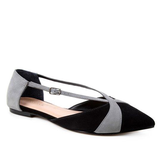 Sapatilha Couro Shoestock Bico Fino Tiras Bicolor Feminina - Preto+Cinza